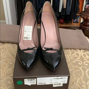 Authentic Gucci vernice crystal heels size 40.5